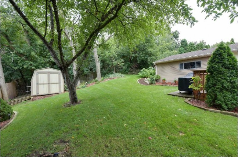 225 Willow Dr Hartland, WI 53029-1324 by First Weber Real Estate $334,900