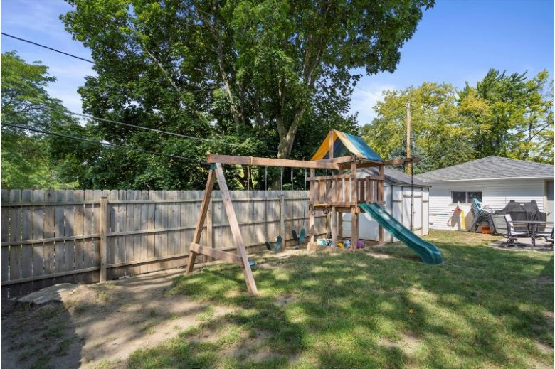 404 N Grandview Blvd Waukesha, WI 53188-3211 by First Weber Real Estate $225,000