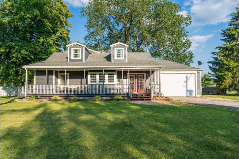 W193S6918 Hillendale Dr, Muskego, WI by Rock Realty $317,500