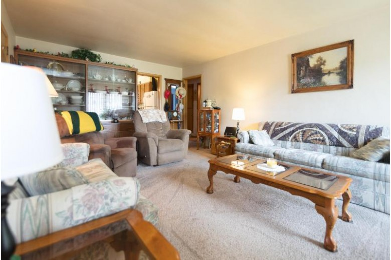 27 Burchard Ave Mayville, WI 53050 by Allied Realty Group Llc $264,900