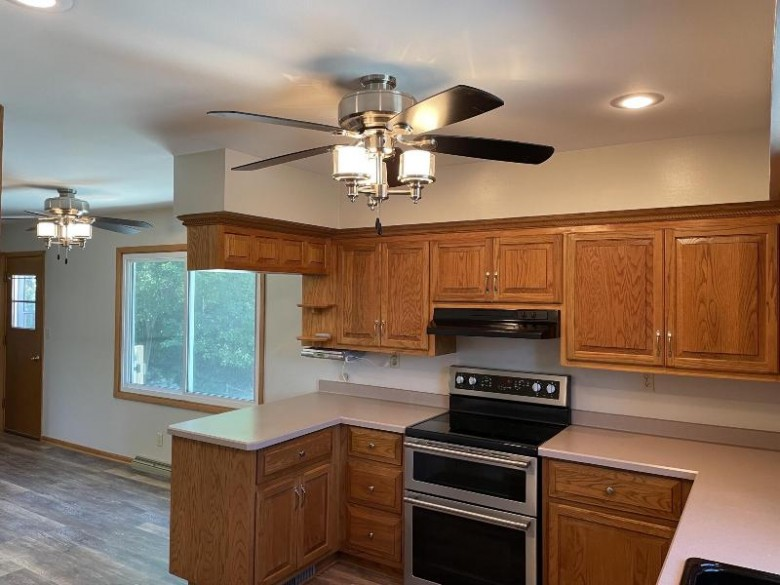 808 Fairview Dr West Bend, WI 53090-1504 by First Weber Real Estate $270,000