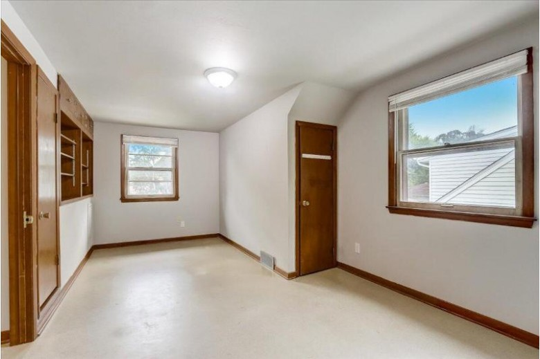 1308 West End Rd Waukesha, WI 53188-2144 by Keller Williams Realty-Milwaukee Southwest $229,900