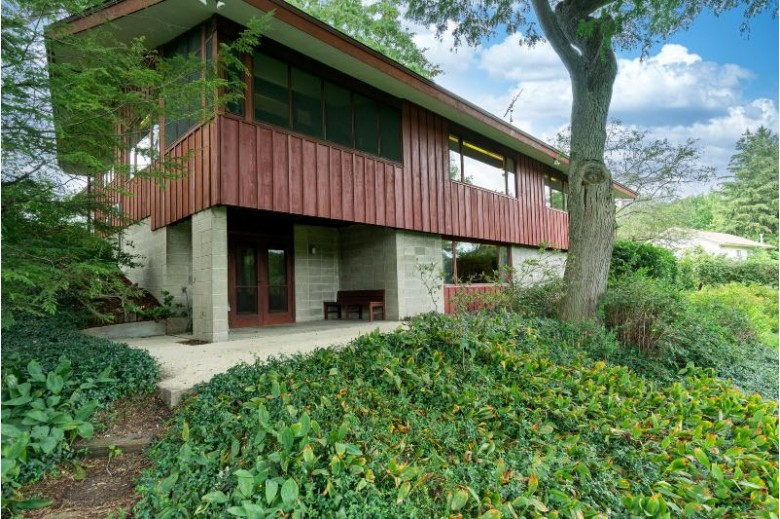 442 Short St Mayville, WI 53050-1233 by Homestead Realty, Inc~milw $369,000