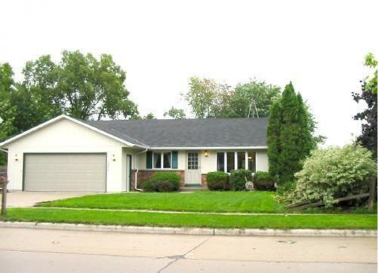 3917 S 18th St, Sheboygan, WI by Non Mls $240,500