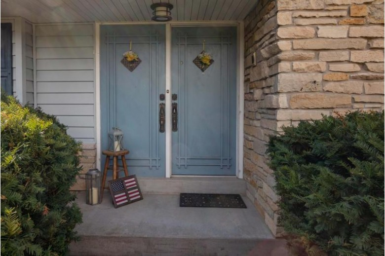 3799 Turnwood Dr Richfield, WI 53076-9633 by First Weber Real Estate $400,000