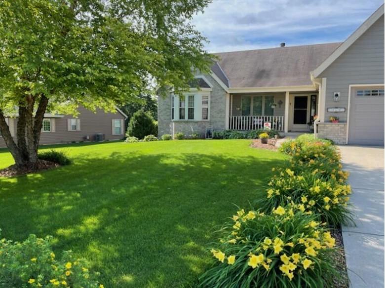 N100W14681 Ridgefield Rd Germantown, WI 53022-5346 by First Weber Real Estate $419,000
