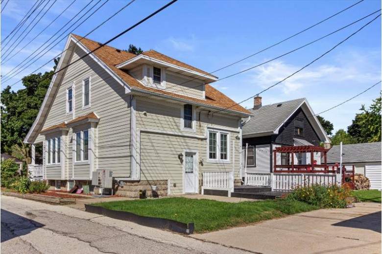 4820 N 127th St Butler, WI 53007-1424 by First Weber Real Estate $277,900