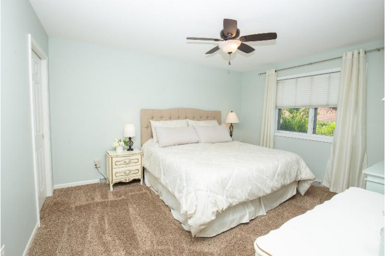 1312 S 124th St West Allis, WI 53214-2053 by Lake Country Flat Fee $279,900