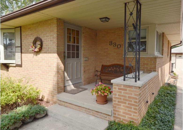 330 Palmer St Waukesha, WI 53188-2418 by First Weber Real Estate $205,000
