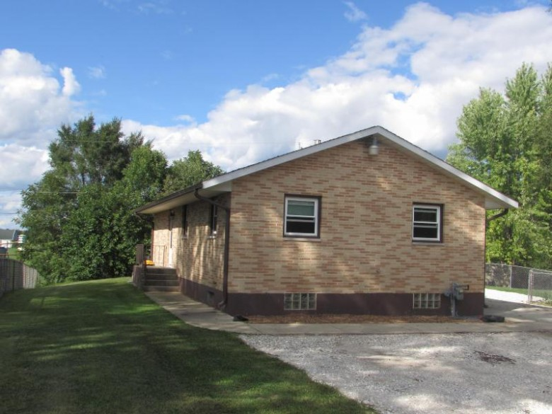 32724 Robers St, Burlington, WI by Keefe Real Estate, Inc. $249,900