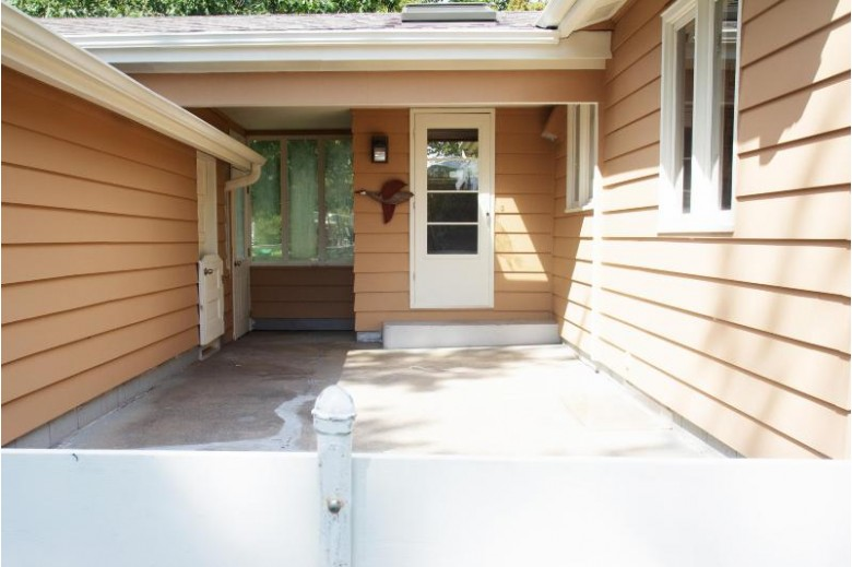 3643 S Moorland Rd New Berlin, WI 53151 by First Weber Real Estate $255,000