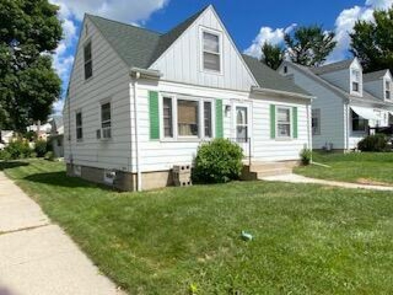 7334 W Burleigh St Milwaukee, WI 53210-1069 by Coldwell Banker Realty $150,000