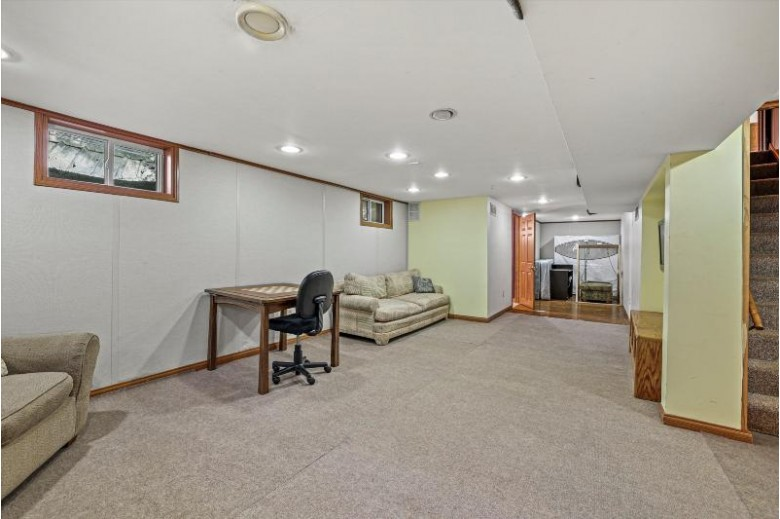 1085 Apple Tree Ln Brookfield, WI 53005-6833 by First Weber Real Estate $429,900