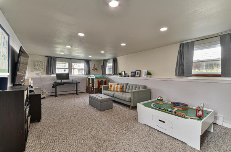 4067 N 98th St, Wauwatosa, WI by Firefly Real Estate, Llc $314,900