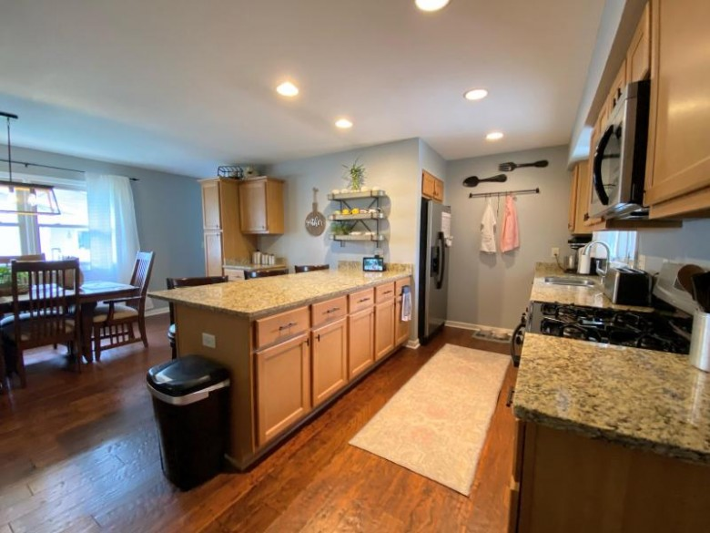 1111 Green Valley Dr, Waukesha, WI by Lake Country Flat Fee $339,900