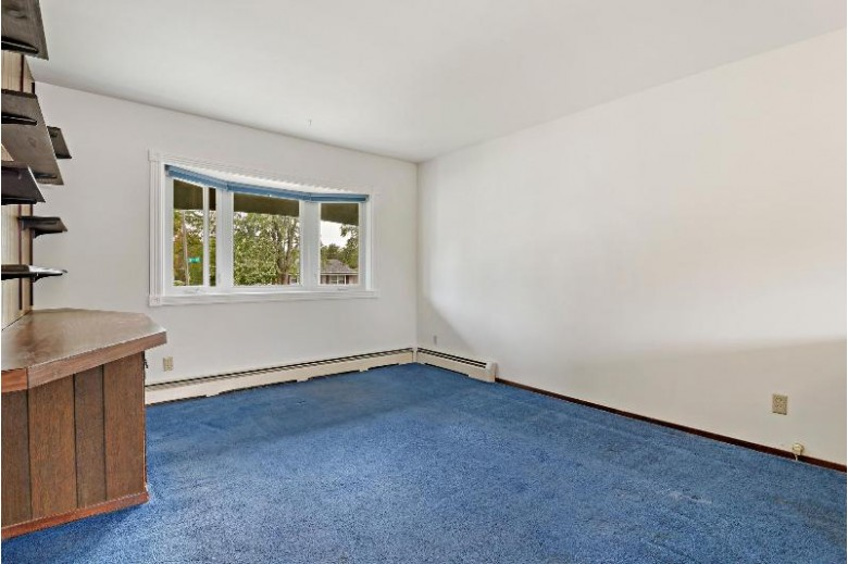 1822 16th Ave Kenosha, WI 53140-1619 by First Weber Real Estate $199,000