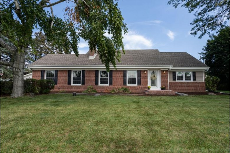 14450 Lilly Heights Dr, Brookfield, WI by Keller Williams Realty-Lake Country $410,000