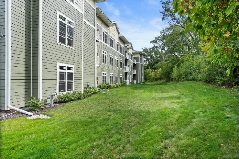 265 Thurow Dr 305 Oconomowoc, WI 53066 by Realty Executives - Integrity $285,000
