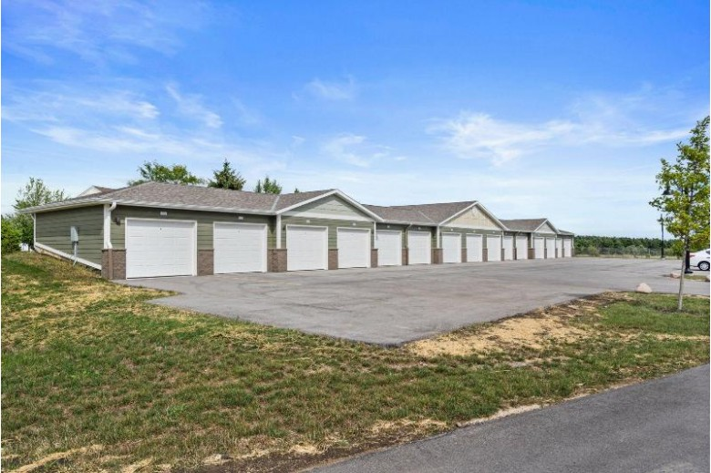 265 Thurow Dr 304 Oconomowoc, WI 53066 by Realty Executives - Integrity $285,000