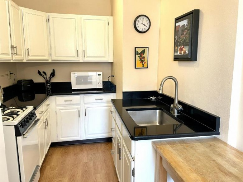 1028 E Juneau Ave 810 Milwaukee, WI 53202-2933 by First Weber Real Estate $139,000