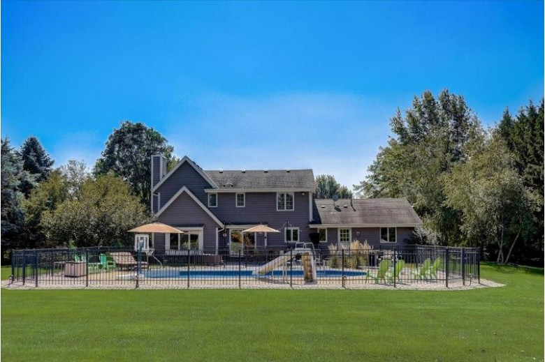 387 Copperfield Dr Delafield, WI 53018 by Keller Williams Realty-Lake Country $579,900