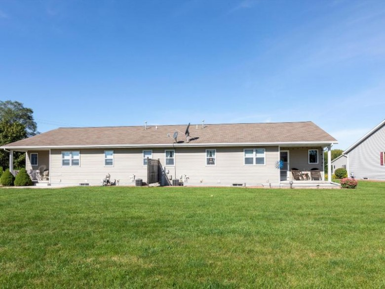 2209 Knuell St 2209, Manitowoc, WI by Action Realty $184,900
