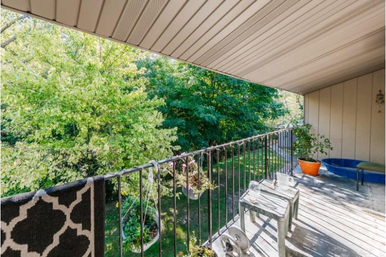 7940 N 94th St G, Milwaukee, WI by Real Broker Llc $60,000