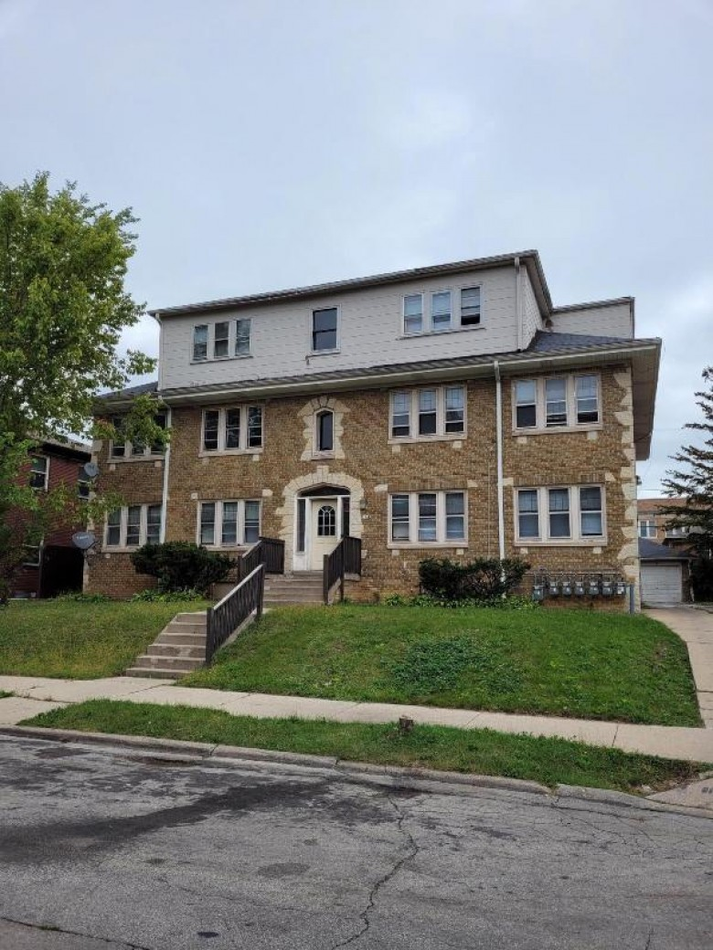 2360 N 53rd St Milwaukee, WI 53210-2762 by First Weber Real Estate $350,000