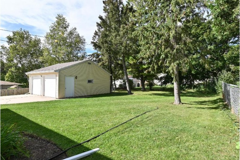 137 Tower Dr Port Washington, WI 53074-2016 by First Weber Real Estate $235,000