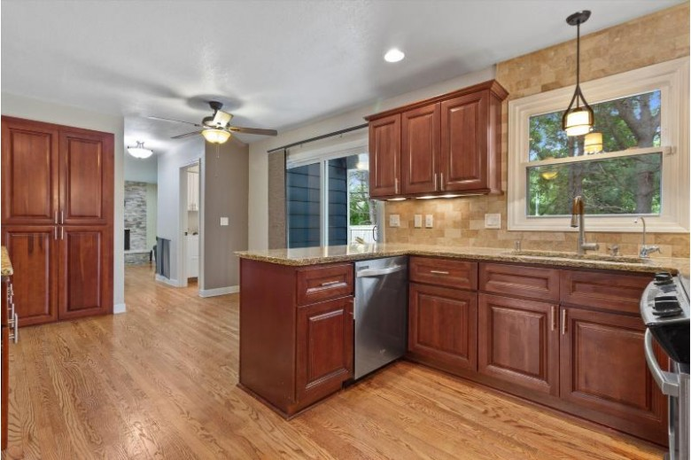13620 Forest Grove Ln Brookfield, WI 53005-1223 by Lake Country Home Realty Llc $449,900