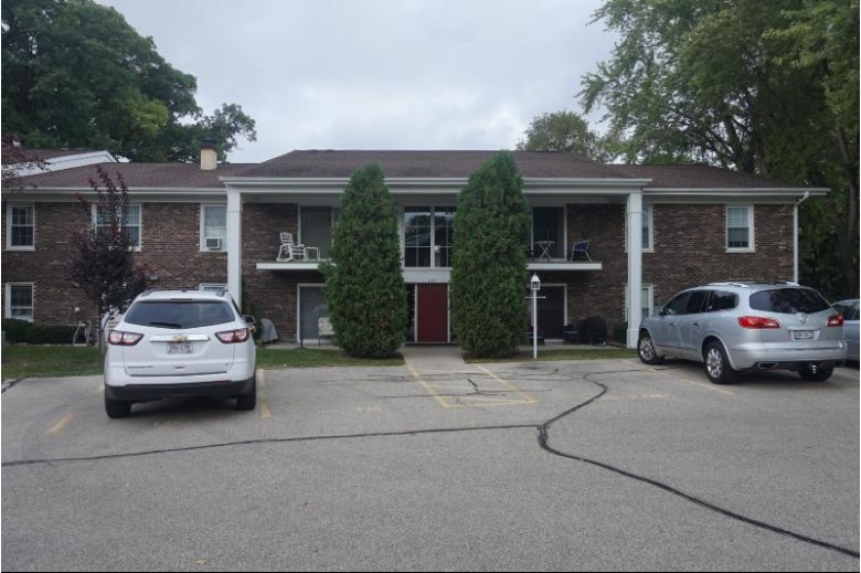 102 Evelyn Ln H, Lake Geneva, WI by Legendary Real Estate Services $159,900