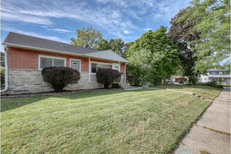 4017 S Shannon Ave Saint Francis, WI 53235-4725 by First Weber Real Estate $189,900