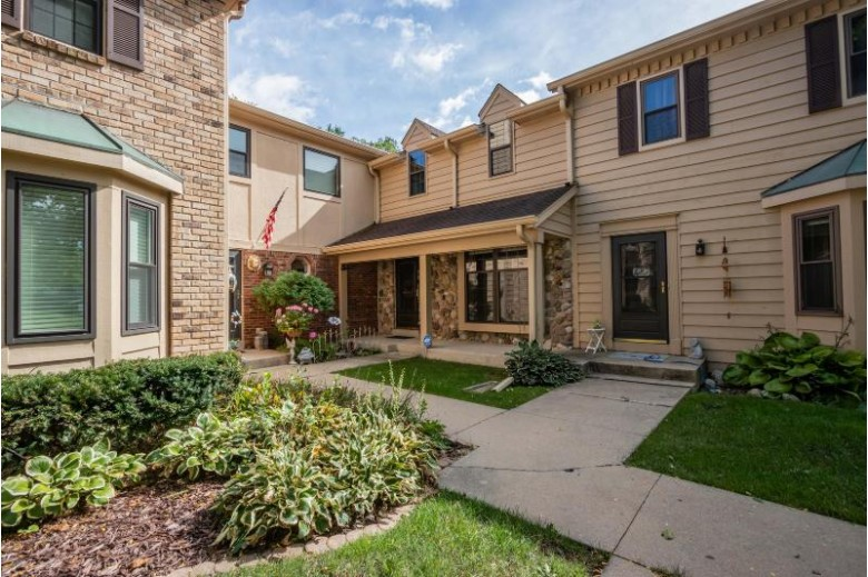 384 Willow Grove Dr D Pewaukee, WI 53072-3992 by First Weber Real Estate $195,000