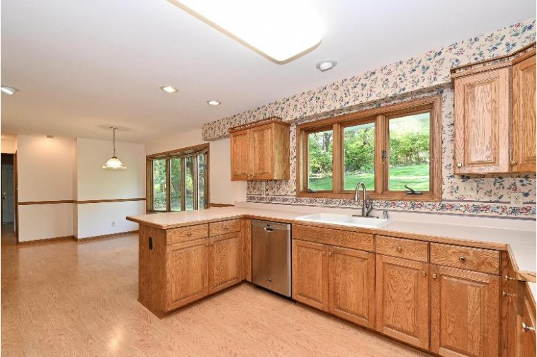 W318N715 Partridge Run Delafield, WI 53018-2820 by First Weber Real Estate $399,000