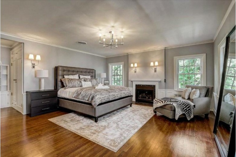 3926 N Lake Dr Shorewood, WI 53211-2448 by First Weber Real Estate $2,500,000