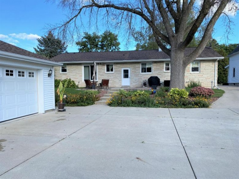 1406 Prospect St Watertown, WI 53098-1920 by Homes By Patti Jo $279,900
