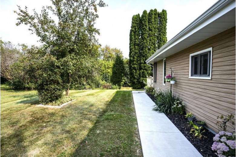 N56W29328 Westview Rd Hartland, WI 53029-5302 by First Weber Real Estate $344,900