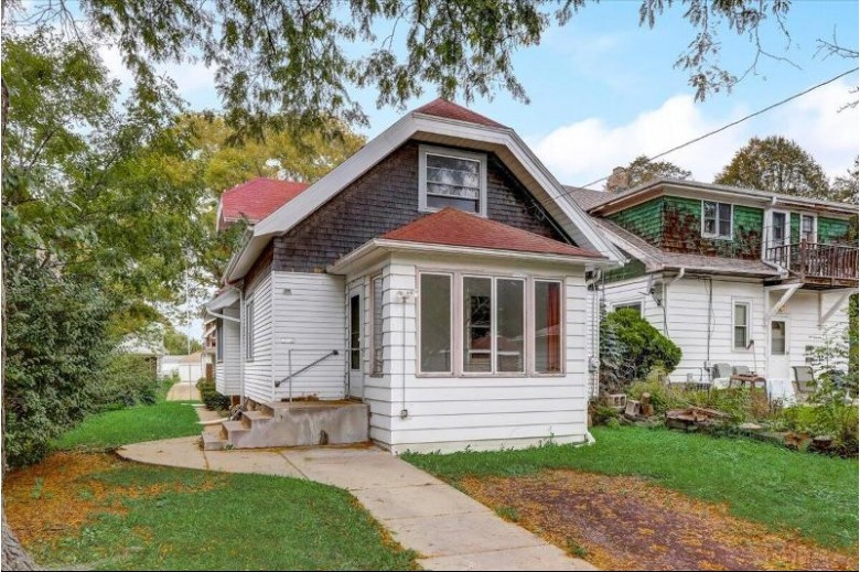 2372 N 64th St Wauwatosa, WI 53213-1402 by First Weber Real Estate $218,900