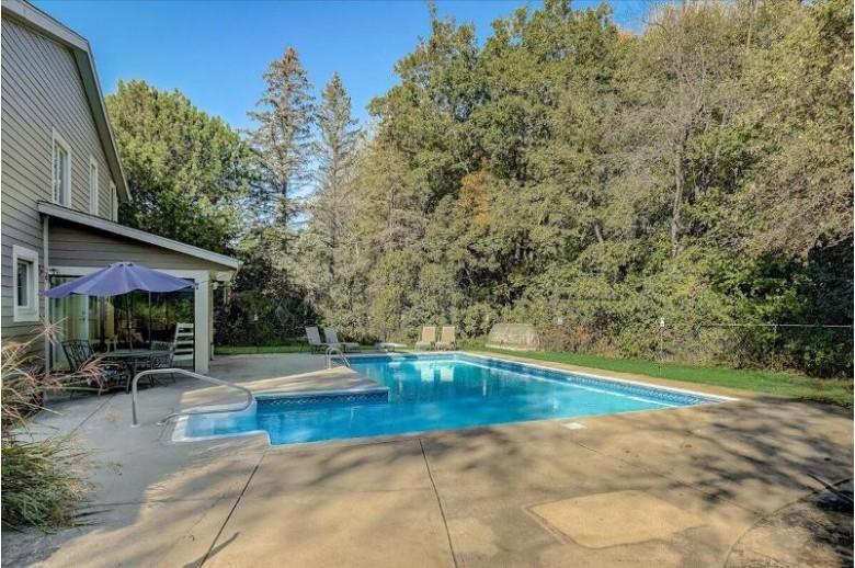 844 Fielding Ln Hartland, WI 53029-2640 by First Weber Real Estate $449,900