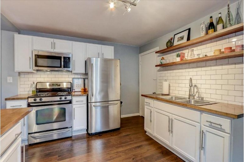 1926 N Bartlett Ave, Milwaukee, WI by Realty Executives Integrity~brookfield $249,900