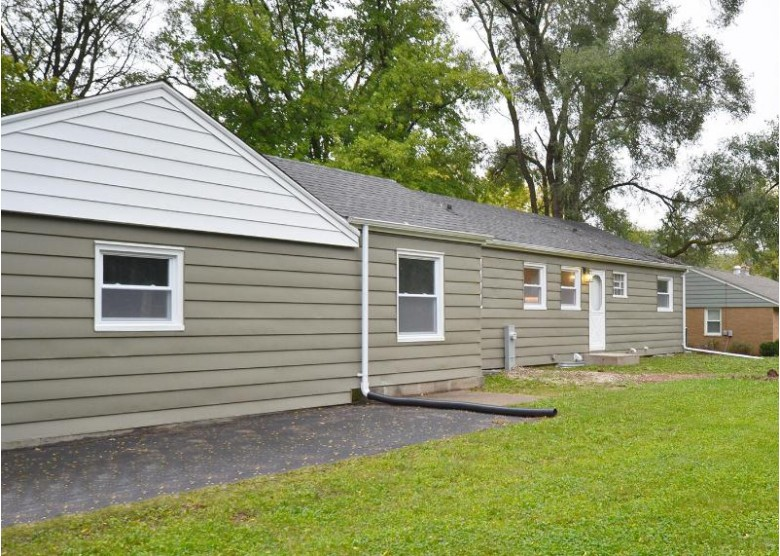 4740 N 149th St Brookfield, WI 53005-1555 by First Weber Real Estate $309,000