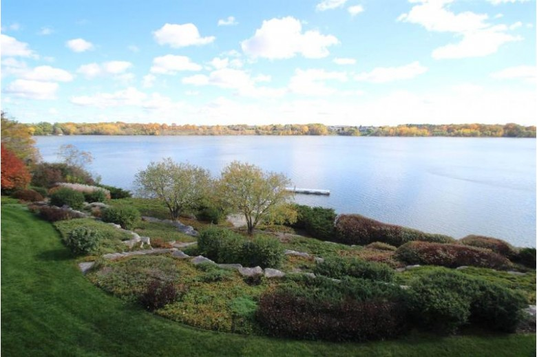 2387 Lost Dauphin Road, De Pere, WI by Resource One Realty, LLC $2,495,000