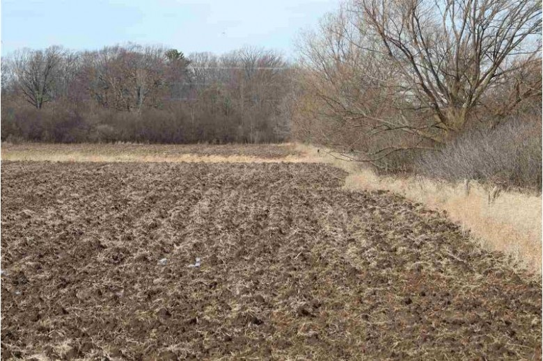 Monroe Road, De Pere, WI by Match Realty Group, LLC $4,995,000