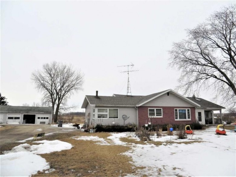 N7392 Pioneer Road, Fond Du Lac, WI by First Weber Real Estate $469,000