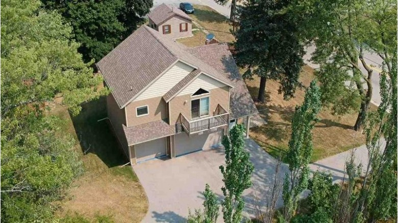 911 Green Bay Road, Sturgeon Bay, WI by Resource One Realty, LLC $1,100,000