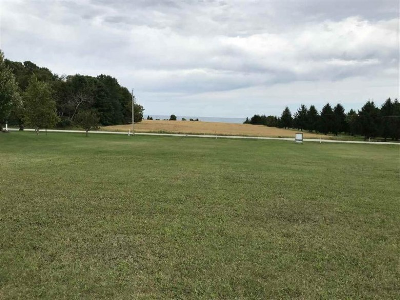 711 Lakeshore Drive, Kewaunee, WI by Northeast Wisconsin Real Estate, Inc. $38,000