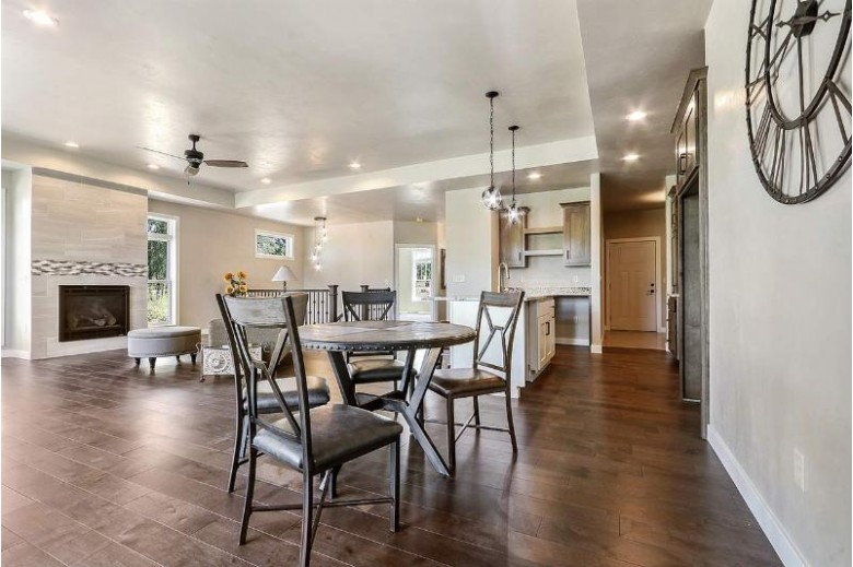 618 Olde River Court, Green Bay, WI by Keller Williams Green Bay $398,900