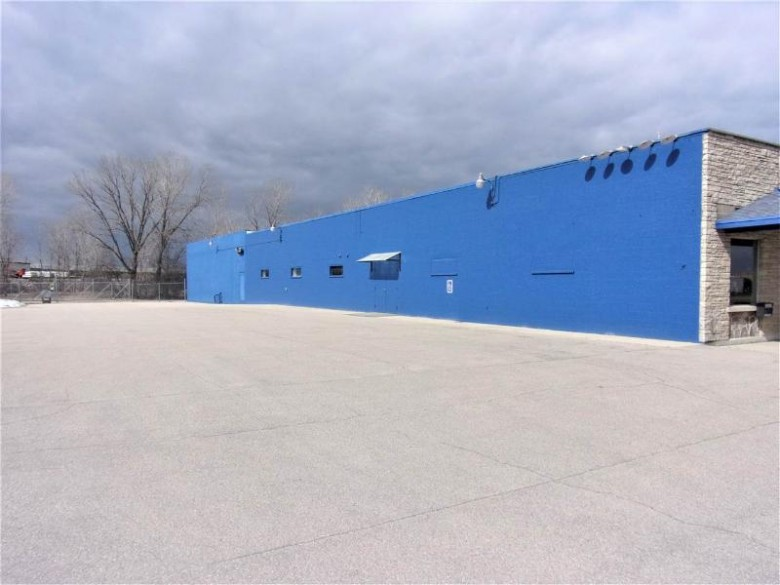 1066 American Drive Neenah, WI 54956 by First Weber Real Estate $890,000