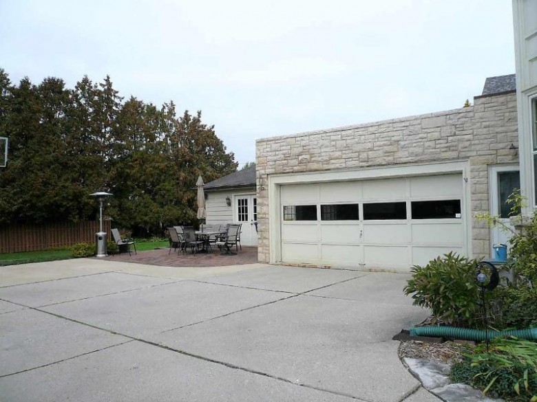 1014 S Jackson Street, Green Bay, WI by Resource One Realty, LLC $305,000