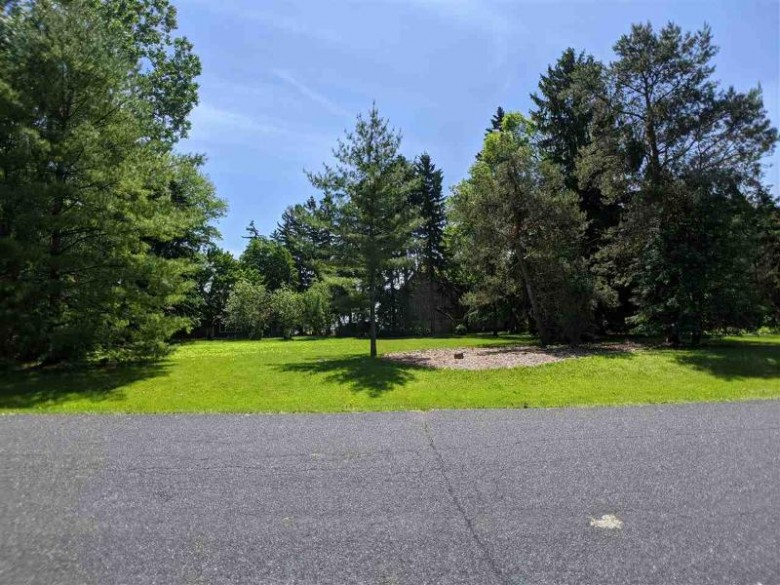 W Sunnyview Circle, Appleton, WI by Think Hallmark Real Estate $54,900